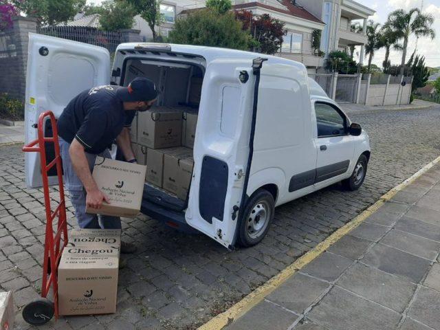 Kits sendo enviados para os inscritos