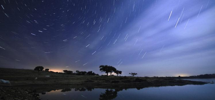 Céu noturno em Alqueva 2 - região do Alentejo em Portugal_Crédito