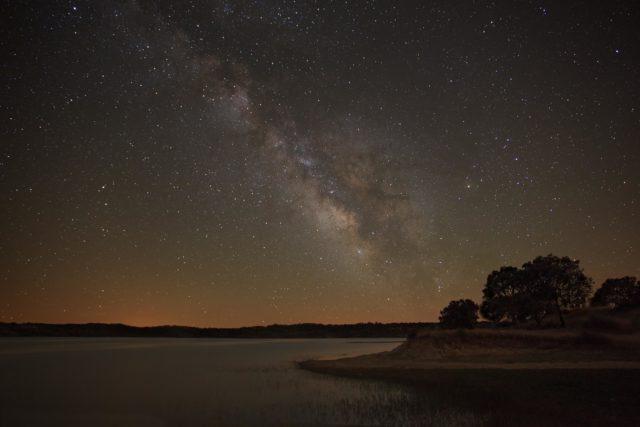 Céu noturno em Alqueva 3 - região do Alentejo em Portugal