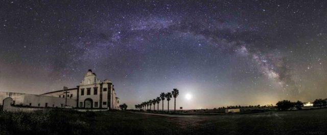 Observacao de Estrelas - Monsaraz - Turismo do Alentejo _ Crédito Divulgação Reserva Dark Sky Alqueva