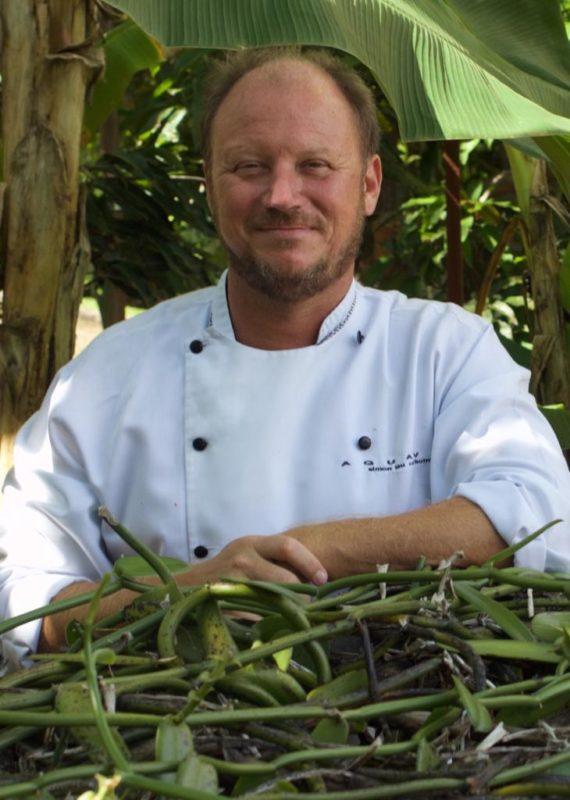 Chef Simon Lau prepara Natal do Cerrado