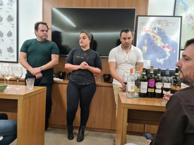 Cyro Torres Junior, sócio-proprietário da Del Maipo, sommelier Eugênio Torres e ao centro a Chef Patrícia Leal