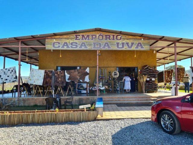 Empório Casa da Uva - Planaltina DF será sede do lançamento da I Feira da uva e do vinho do DF.